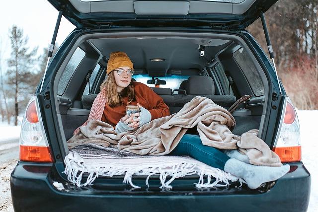 冬の寒い時期の車内